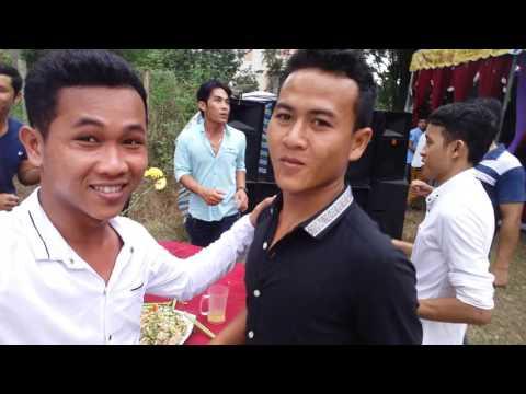 Khmer Travinh - đám cưới SoPhiaRinh (khi các anh nhạc công nhảy)