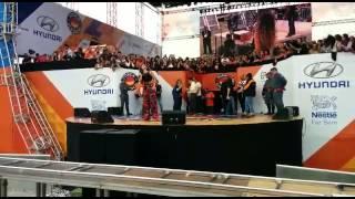 Paula Fernandes também dá show em 1º de maio da Força Sindical