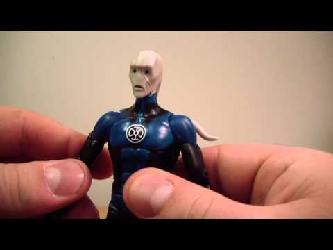 DC Signature Collection Saint Walker Figure Review