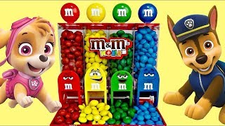 M&M's  Dispenser with PAW PATROL Chase & Skye Toy Surprises