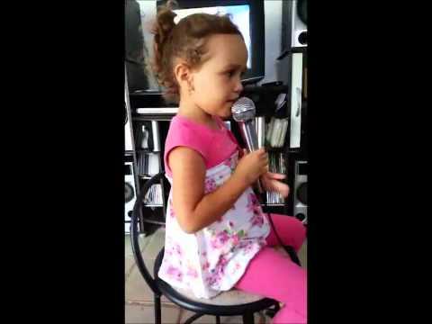 Isabelle, cantando o 'Samba' do cidade alerta!!