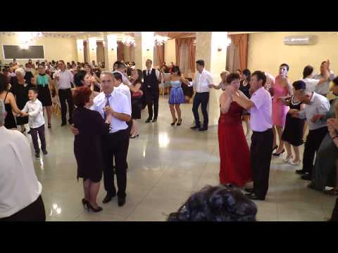 FORMATII NUNTA BACAU Muzica de Nunta Formatie Nunta Bacau - Colaj Populara