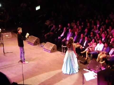 Shreya Ghoshal's Tribute to 100 Years of Bollywood (Royal Albert Hall)