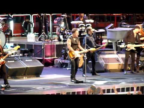 Bruce Springsteen - Paris Bercy - July 5, 2012 Dancing In The Dark