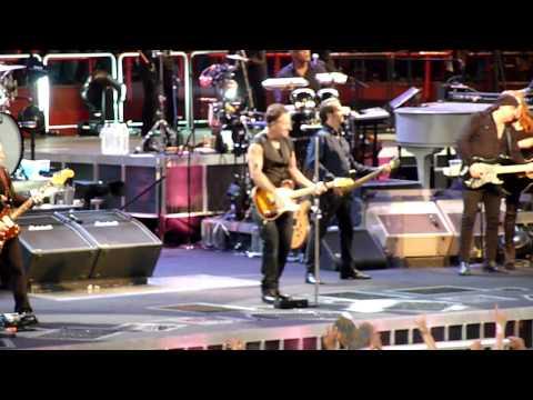 Bruce Springsteen - Paris Bercy - July 5, 2012 Dancing In The Dark