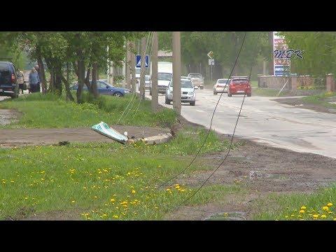 Фонарному столбу в Бердске упасть помог неустановленный водитель