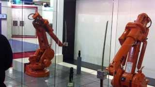 Robot ini bisa berkelahi pakai pedang