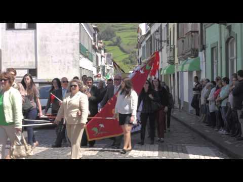 Desfile de 40 irmandades do espirito santo