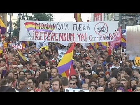 Spain: thousands call for monarchy referendum