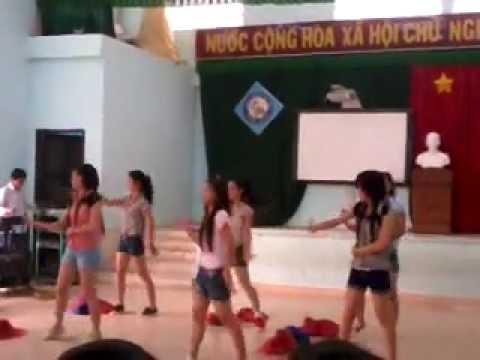 hotgirl nỗi loạn nhảy nhạc hàn