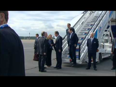 David Cameron arrives for the G20 conference in Russia