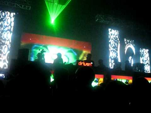 Bob Sinclar LIVE in MANILA 2011 - Feel the Love Generation (reggae version)