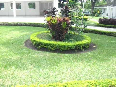 Casa campestre inti raimi jardines y hermosas zonas for Jardines verdes