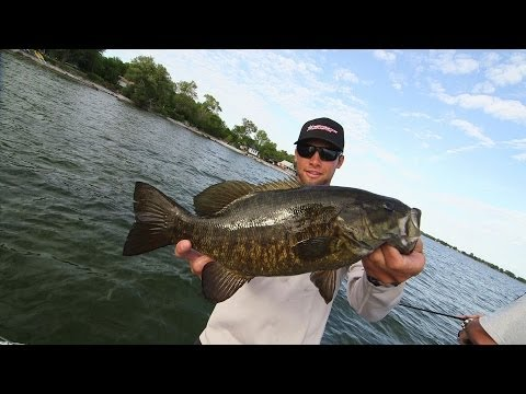 Lake Ontario Jerkbait Bass with Elite Series Champ Brandon Palaniuk - Dave Mercer's Facts of Fishing