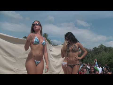 Bikini Contest Girls with Big Butts