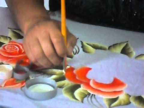 Ensinando a pintar Rosas no tecido