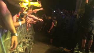 kid-cudi-passes-out-during-show-at-north-coast-in-chicago-video