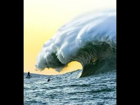 CRAZY CLIMATE CHANGE WEATHER / TIDAL WAVE Hits Foz do Duoro, PORTUGAL