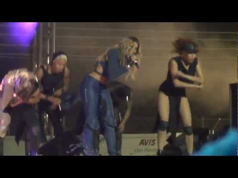 new Ciara Sweat...dancing for fans live/loose control in South Africa  Sept 2012