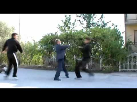 Aikido Master vs 5 Attackers in Street Fight (Self Defense)