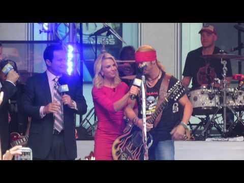 Live Dean Bret Michaels Acoustic Guitar Malfunction on Fox & Friends in NYC