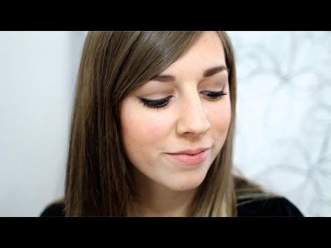 Un maquillage simple par Laura de MakeupTipsChannel