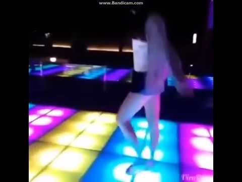 Cô gái có điệu nhảy đẹp nhất vịnh bắc bộ