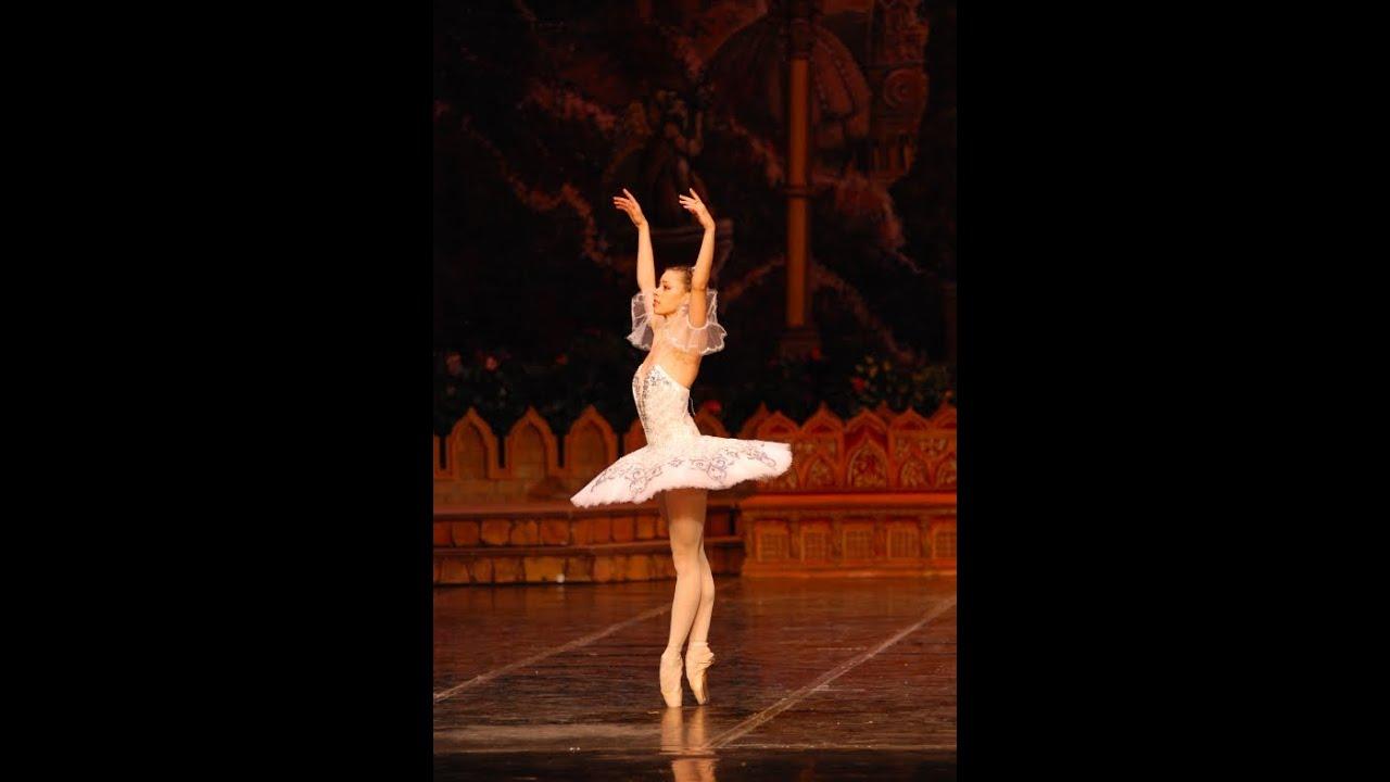 Ballet Lesson - Pirouettes - YouTube