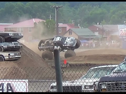 Thunder Drags Monster Trucks bloomsburg,pa 7-12-14 elims