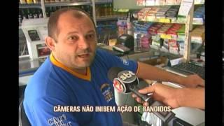 Mercearia que tem 16 c�meras de seguran�a � assaltada no Sul de Minas
