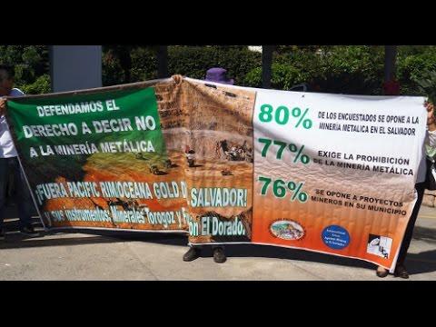 Salvadoreños piden se de a conocer la resolución del CIADI.