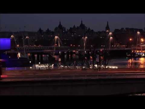 Timelaps, Waterloo Bridge, London - Unravel Travel TV