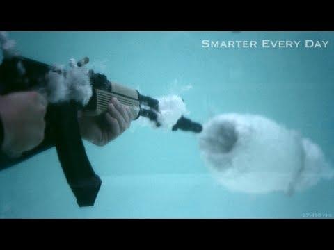 Wystrzał z AK-47 pod wodą