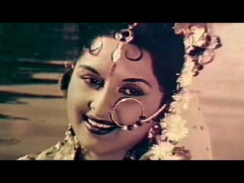 Chandan Ki Naiyya Pe - Lata Mangeshkar, Bina Rai, Pradeep Kumar, Durgesh Nandini Song