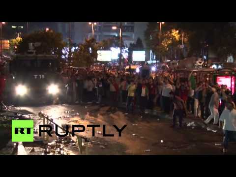 Turkey: Police defend Israeli consulate from furious Palestine demo