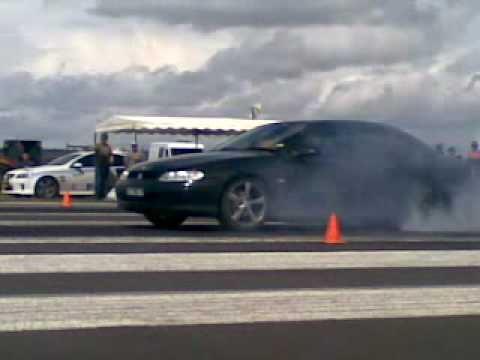 VT V6 Commodore Manual Burnout At Drags