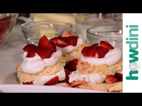 How To Make Strawberry Shortcake & Garlic Cheese Biscuits (Biscuit Recipe)