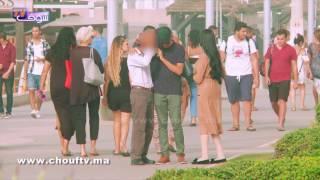 بالفيديو: شوفو ردة فعل الشارع مع مغربي خارج مع صاحبتو و كذب على مرتو فالتيليفون |