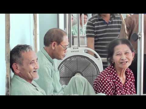 Bệnh viện Ung bướu Nghệ An: Phát triển 'nóng' để chăm sóc người dân