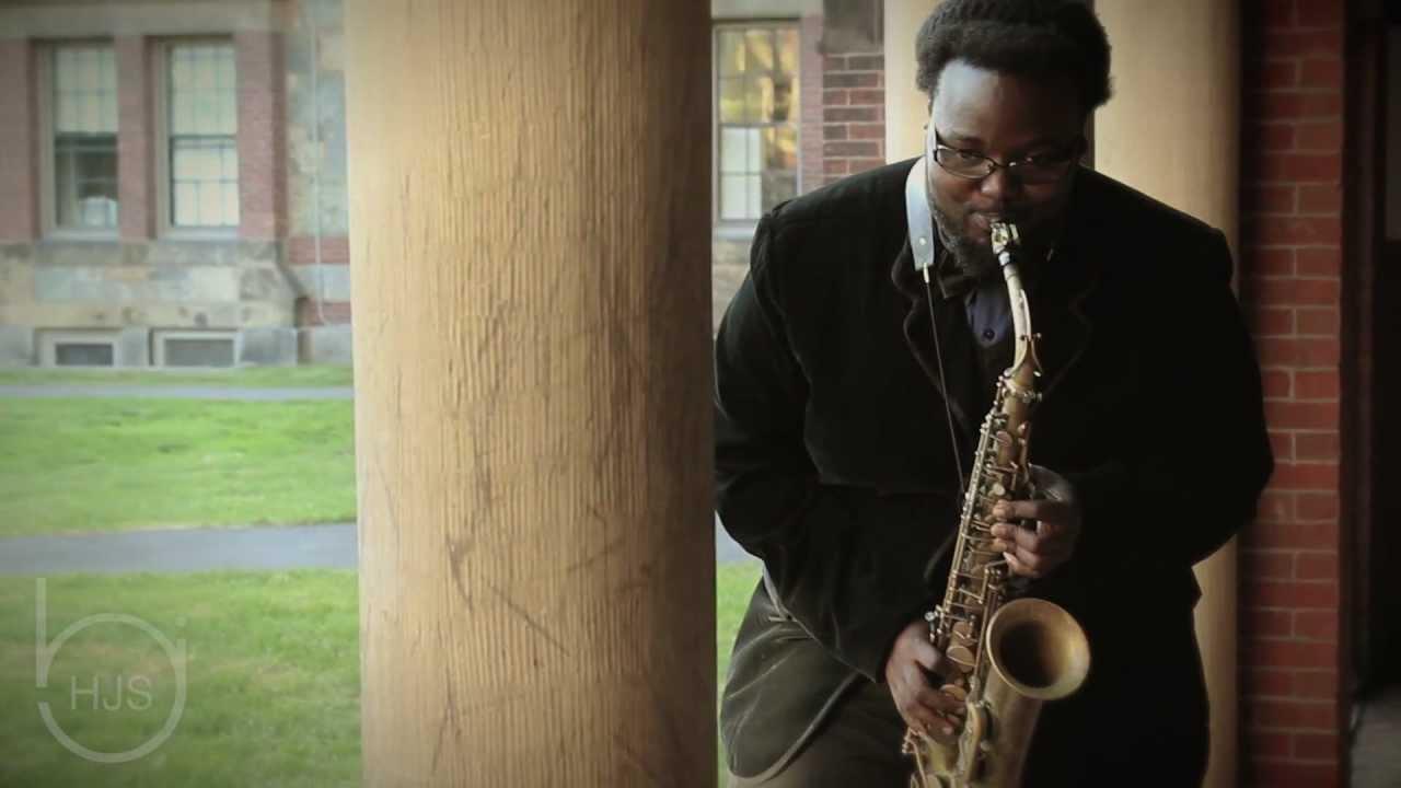 Godwin Louis Plays His Sax @ Harvard Square