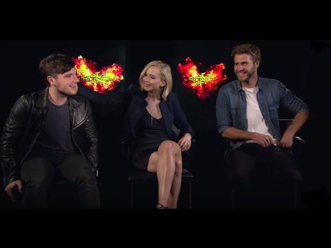 Jennifer Lawrence Josh Hutcherson y Liam Hemsworth entrevista exclusiva Mockingjay part2 SUBTITULADA