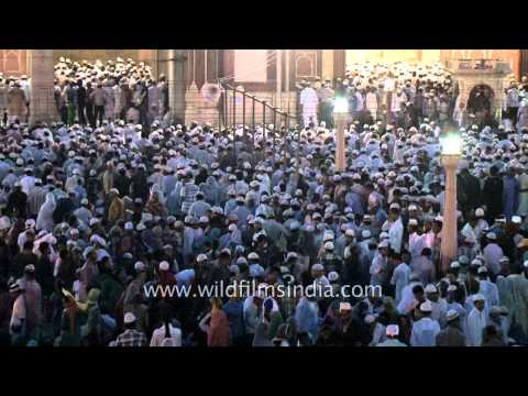 Muslims gathered to celebrate Eid mubarak in Jama Masjid