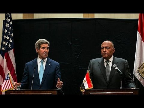 Kerry visits Egypt, US military aid resumes