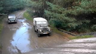 47% Steigung auf Betonrampe  2012 mit VW 181 Willys und Land-Rover