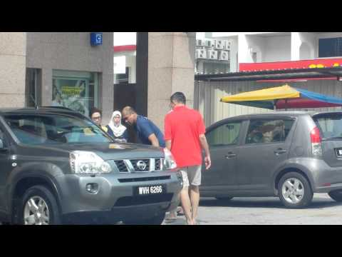 Foiled Snatch Thief at Maybank Damansara Uptown Jan 2014