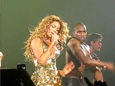 Beyonce live at Nottingham arena, Bootylicious,Bug a boo,Jumpin' jumpin',Upgrade u,Video phone.
