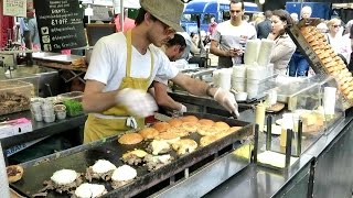 London Street Food. The Duck Meat Burger. Real Time Preparation. French Cuisine