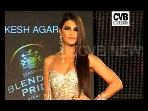 JACQUELINE, ESHA WALK THE RAMP AT BLENDERS PRIDE FASHION TOUR 2011