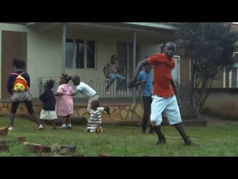 Thumbnail of video Globalista GhettoTech 9:  Ghetto Kids of sitya loss Dancing Jambole by Eddy Kenzo