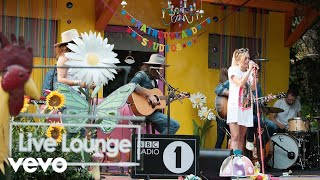 Miley Cyrus - The First Time Ever I Saw Your Face (Roberta Flack Cover) in the Live Lounge